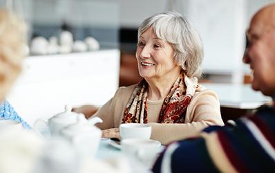 הפעילות החברתית של מגדל לשיפור רווחת המבוגרים